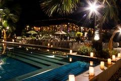 游泳池在晚上之前 免版税图库摄影