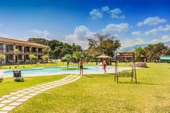 游泳池在盛大Caporal旅馆在危地马拉 免版税图库摄影