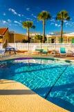 游泳池在Vilano海滩的,佛罗里达一家旅馆 库存照片