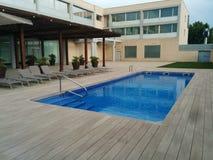 游泳池旅馆 库存照片