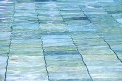 游泳池波纹 库存图片