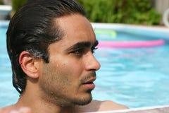 游泳池边夏天 免版税库存照片