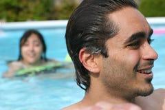 游泳池边夏天 库存照片
