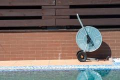 游泳池,净水的机器看法  图库摄影