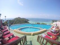 游泳池,酸值的陶旅馆 库存图片