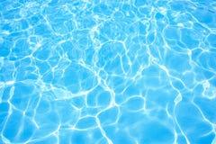 游泳池水 免版税库存照片