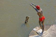 游泳者在斯科普里 免版税库存照片