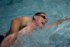 游泳者的呼吸和节奏 免版税库存照片
