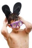 游泳面具的男孩潜水者与一张愉快的面孔特写镜头画象,隔绝在白色 图库摄影