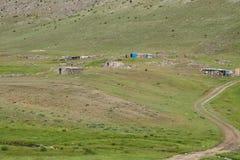 游牧人夏天扎营 库存图片