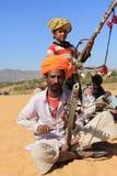 游牧人戏剧ravanahatha在沙漠 库存照片