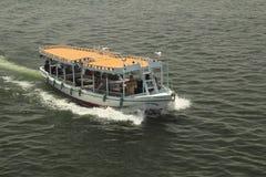 游船 免版税库存照片