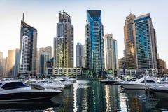 游艇俱乐部在迪拜小游艇船坞。阿拉伯联合酋长国.2012年11月16日 库存图片