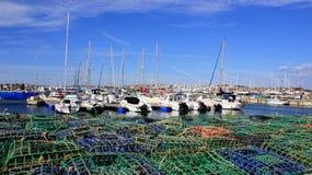 游艇口岸钓鱼海港和捕鱼装置 免版税库存照片