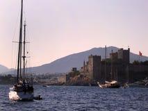 游艇和堡垒 免版税库存照片