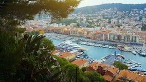 游艇和小船在口岸,如果尼斯,建筑学,夏天都市风景,法国海滨 股票录像