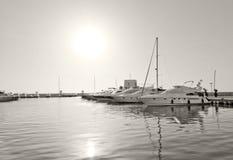 游艇和风船在圣诞老人尤拉莉亚 免版税库存照片
