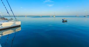 游艇在加勒比海 库存照片