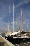 游艇在圣附近在圣乔治Maggiore海岛上的乔治Maggiore教会的威尼斯  免版税库存照片
