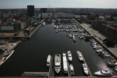游艇在威廉船坞停泊了在安特卫普,比利时 库存照片