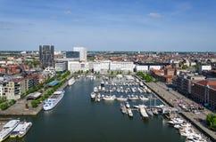 游艇在威廉船坞停泊了在安特卫普,比利时 免版税图库摄影