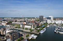游艇在威廉船坞停泊了在安特卫普,比利时 库存图片