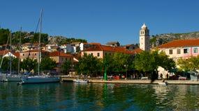 游艇在斯克拉丁,克罗地亚 免版税库存照片