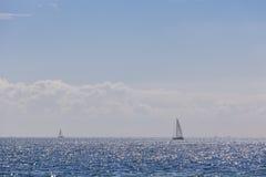 游艇在海 库存图片