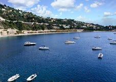 游艇在Villefranche港口 免版税库存照片