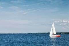 游艇的基于在海湾 图库摄影