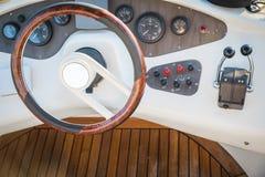 游艇的驾驶舱 库存照片