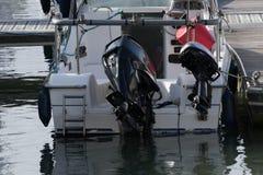 游艇船尾与两船外 免版税图库摄影