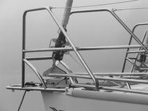 游艇船尾细节在黑白的 库存图片