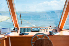 游艇驾驶舱 免版税库存图片