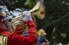 游行乐队喇叭演奏员 图库摄影