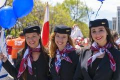 游行在波兰骗局期间的全部波兰航空公司空服员 库存照片