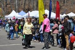 游行在第37个每年黄水仙节日在梅里登,康涅狄格 免版税图库摄影