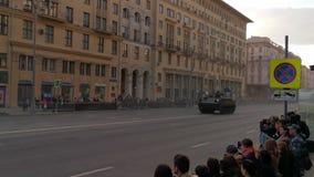 游行排练对一胜利天的庆祝的在莫斯科 股票录像