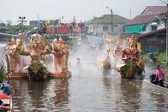 游行磨擦Bua节日(莲花投掷的节日)在泰国 图库摄影