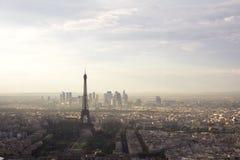 从游览蒙巴纳斯的埃佛尔铁塔视图 免版税库存图片