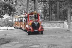 游览迷你火车在公园日内瓦 库存图片