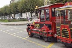 游览迷你火车在公园日内瓦 免版税库存照片