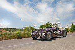 游览阿尔法・罗密欧6C 2300 B MM的蜘蛛(1938)在Mille Mig跑 库存照片