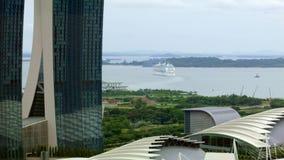 游轮从新加坡的风帆 股票录像