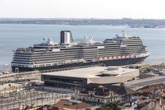 游轮在港口 免版税库存图片