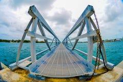 游轮微型码头在巴哈马发现了 图库摄影