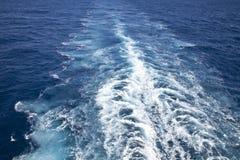 游轮的跟踪 免版税库存照片