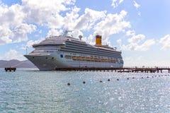 游轮肋前缘Magica在堡垒de法国的港靠了码头 库存照片