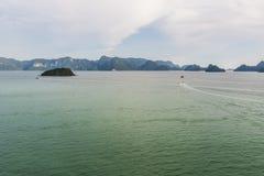 游遍马六甲海峡在凌家卫岛群岛降伞的马来西亚 免版税库存图片