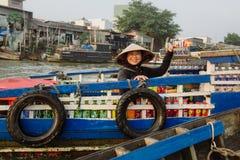 湄公河三角洲浮动市场在越南 免版税库存照片